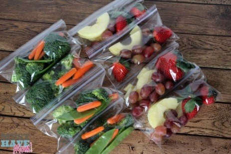 Tip-Portion-Out-Fruit-and-Veggie-Packs-At-The-Start-Of-The-Week